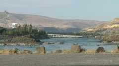 1409 - Columbia River The Dalles Dam R-L pan Stock Footage