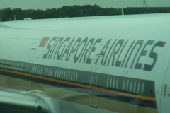 SINGAPORE-SINGAPORE AIRLINES PLANE 1 Stock Footage