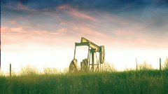 T203 oil pump energy gas fossil fuel kansas nebraska Stock Footage