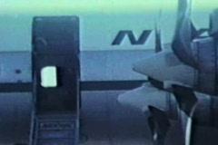 Vanha potkuri lentokone valmistautuu lentoonlähtöluvan Arkistovideo