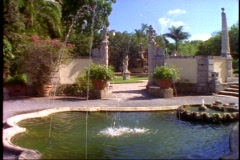 Vizcaya mansion garden shot with fountain, medium shot Stock Footage