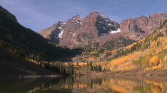Maroon Bells in Autumn in Aspen, Colorado Stock Footage
