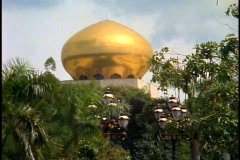 Palace of the Sultan of Brunei, close-up of gold dome Stock Footage