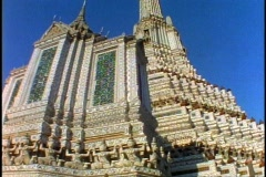 Temple of the Dawn, Bangkok, wide shot, low, tilt up Stock Footage
