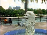 Singapore Merlion (smaller) fountain, close up, tilt down Stock Footage