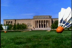 Nelson-Atkins Museum of Art, wide shot, pan right Stock Footage