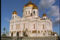 The Church of Our Savior, five large gold domes, tilt up, Stock Footage
