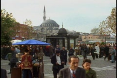 Istanbul public square, mosque, crowd Stock Footage