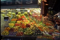 Barcelona food market inside, crush of people Stock Footage