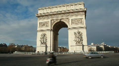 Triumphal Arch, Champs Elysee war memorial in Paris Stock Footage