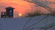 Sunset lifeguard med 2 Stock Footage