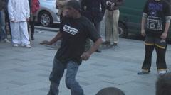 Paris in Autumn - street performers dance Stock Footage