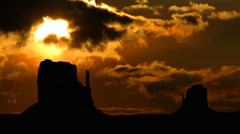 Monument valley sun gliding Stock Footage