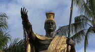 Hawaii Kamehameha statue with face Stock Footage