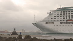 People watch cruise ship arrival Stock Footage