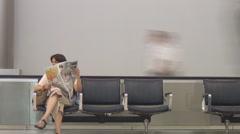 Airport ihmiset tarkkailija Viivästys Arkistovideo