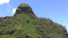 Kauai Pans jagged volcanic peaks Stock Footage