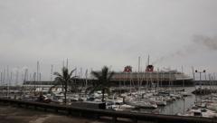 Stock Video Footage of Cruiseship 3196/2