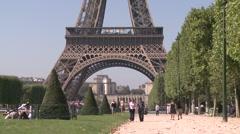 La Tour Eiffel Stock Footage