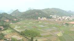 Aerial ammuttiin kuumailmapallo Kiina kylä Arkistovideo