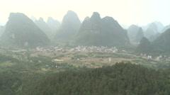 Aerial ammuttiin kuumailmapallolla Kiina kylän 4 Arkistovideo