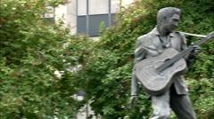 Elvis presley statue Stock Footage