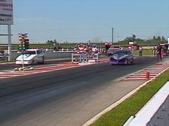 Moottoriurheilu, Drag Racing, Alkoholi hauska kilpa 7 toinen autoihin Arkistovideo