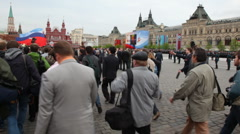 Journalists and reporters quickly go in anticipation of arrival of VIP-persons - stock footage