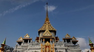Temple of Wat Traimit, Golden Buddha (the world's biggest solid gold statue) Stock Footage