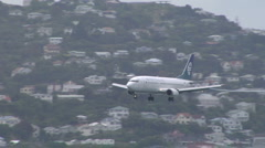 737 coming in to land at Wellington airport Stock Footage