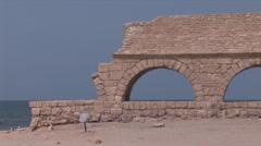 Caesarea antique aqueduc  Stock Footage