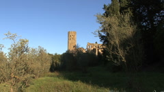 Orvieto abbey ruins zooms in Stock Footage