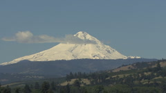 Columbia River Mt Hood zoom out Stock Footage