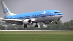 Gear KLM boeing 737 landing Stock Footage