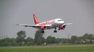 Easyjet airbus A320 landing Stock Footage