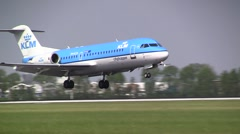 Cityhopper fokker 70 from KLM landing Stock Footage