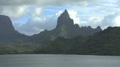 Moorea zooms out Opunohu Bay Stock Footage