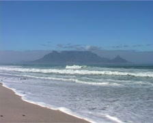 Blouberg Strand Zoom out, Cape Town GFSD Stock Footage