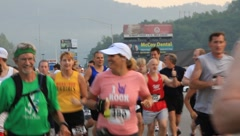 Crowd of runners  in race(HD)c Stock Footage