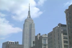 Empire State Building zoom in from ground level 1 Stock Footage