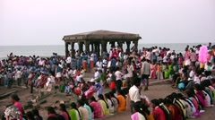 India pilgrimage, waiting for sunrise, spiritual meaning, colorful dresses Stock Footage