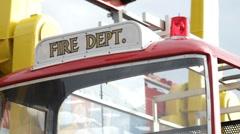 Edessä paloauto ratsastaa karnevaali Arkistovideo