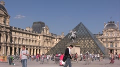 Le louvre museum, Paris France Stock Footage