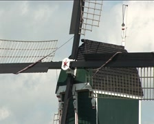 Holland watermill (zoom out) Stock Footage