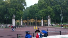 Green Park Entrance London at Buckingham Palace Stock Footage