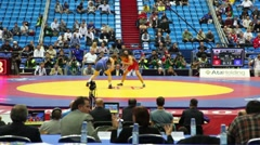 World championship on fight 2010, Kaori Icho of Japan vs. Elena Pirozhk of USA - stock footage