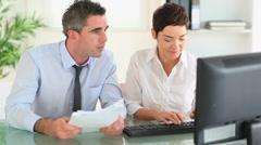 Businesspartners papereita ja tietokoneen Arkistovideo