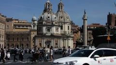 Rome downtown busy traffic at Piazza Venezia Stock Footage