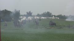 Arkistokuvanauhanpätkä - Civil War Battle Scene - ratsuväen molemmilta puolilta, Arkistovideo
