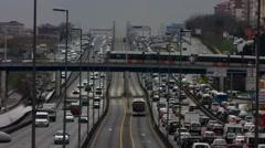 Turkki Istanbul liikenneruuhka ruuhka maantiellä pikatie Arkistovideo